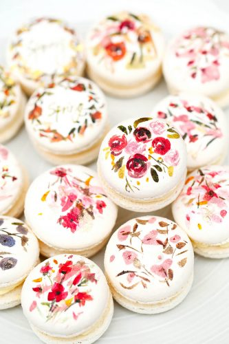 24 Desserts Girls Love The Best Of All Time - Spring Macaron Cookie