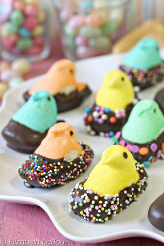36 Cute and Stunning Easter Cookies to Try This Year